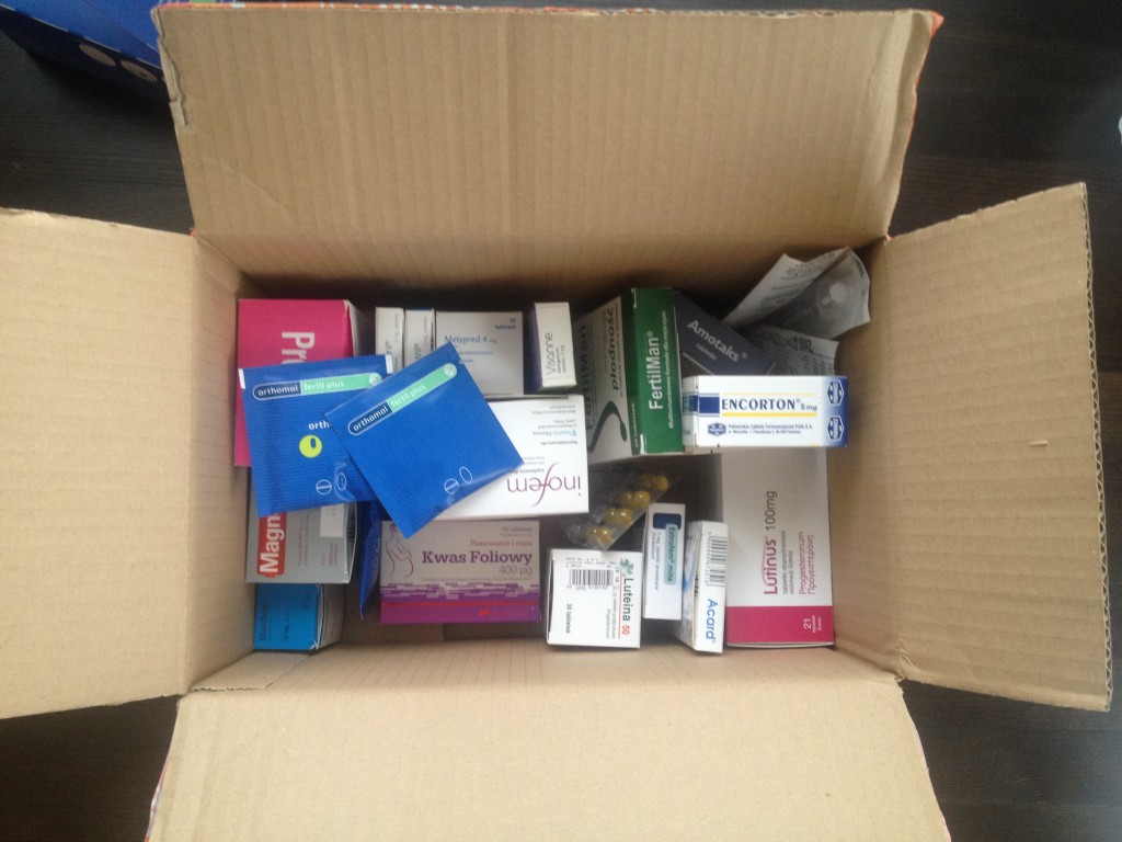 Niezbędnik in vitrówki: suplemety i leki